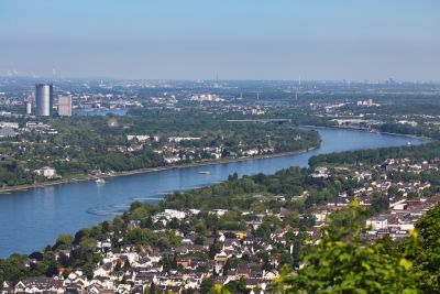 Bonn vom Drachenfelsen aus